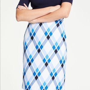🔥OFFER🔥 NWT ANN TAYLOR Plaid Skirt Size 0 - 2